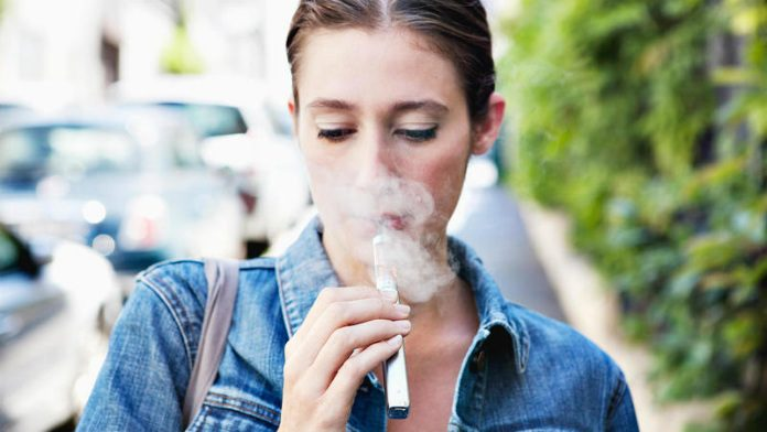 E-cig: vaping creates a chemical compound harmful to health